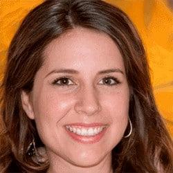 Carla Pérez profesional de la dermocosmética y creadora del blog sobre parches cicatrizantes
